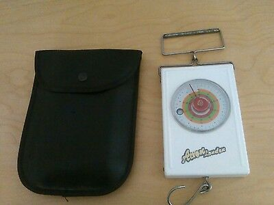 avon london fishing scales to 40lbs in protective pouch   vgc