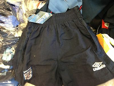 ENGLAND SHORTS  200o in 24 26   inch bnwl at £ 6 IN NAVY BRAND NEW