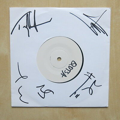 "QUEENS OF THE STONE AGE The Fun Machine Took A Sh*t And Died UK 7"" Signed"