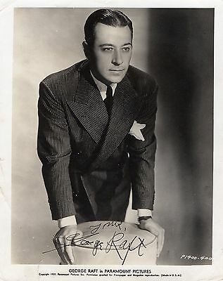 """GEORGE RAFT SIGNED 10"""" x 8"""" B/W PHOTOGRAPH (PARAMOUNT PICTURES) - COPYRIGHT 1937"""