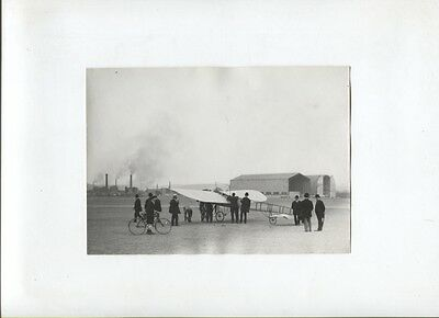 N°5110  /  photo monoplan sur le terrain d'aviation 1910 environ