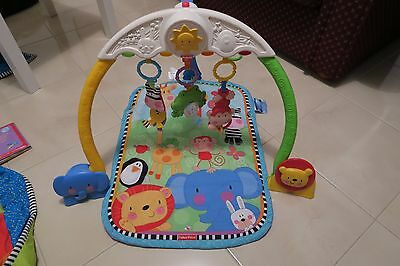 Fisher Price Style Baby Play mat baby activity set musical play mat (VGC)