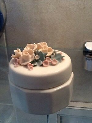 Chessell Pottery floral trinket box IOW
