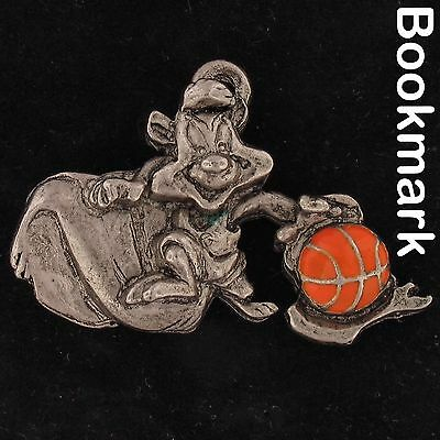 BOOKMARK Pepe Le Pew LOONEY TUNES WARNER BROS PEWTER BASKETBALL WB STORE 4266