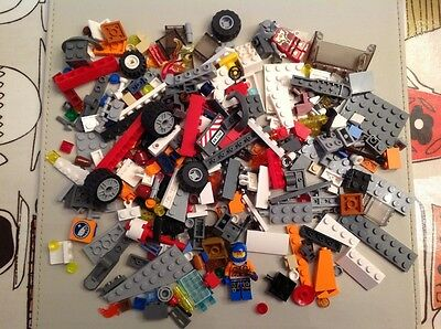 Lego mixed lot of approx 300 pieces
