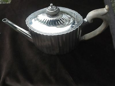 1796 George 111 fluted teapot by William Plummer 15ozs nice fluted body