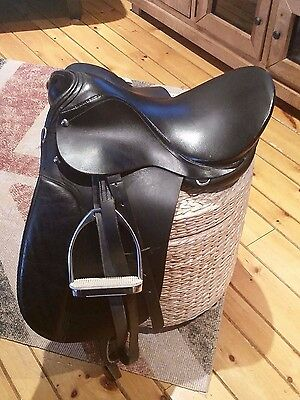 """16"""" Black Leather English Saddle by Ascot Int'l, Used and Loved, GREAT condition"""