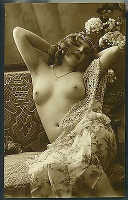 30,000 Vintage Images Of Nude Women On Dvd (Female)@