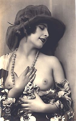Over 10,000 Old Vintage Risque Images of WOMEN  on CD