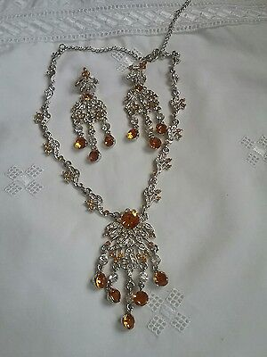 vintage style rhinestone necklace and earrings set