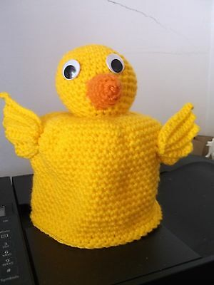Hand crocheted toilet paper cover. Duck. Fits double roll. Cute