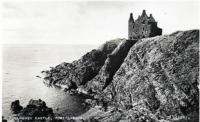 DUNSKEY CASTLE PORTPATRICK STRANRAER POSTCARD Real photo 1958