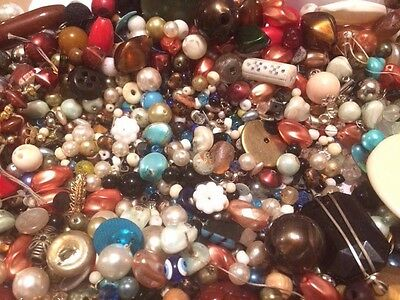 837g Mixed Lot Vintage Beads From Broken Vintage Necklaces Spare / Repair