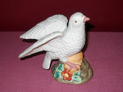 Vintage WHITE DOVE FIGURINE Tundra Imports Taiwan PORCELAIN Bisque