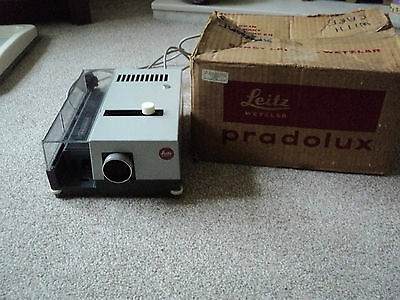 Leitz Wetzlar Pradolux Slide Projector From 1965 With New  Spare  Bulb