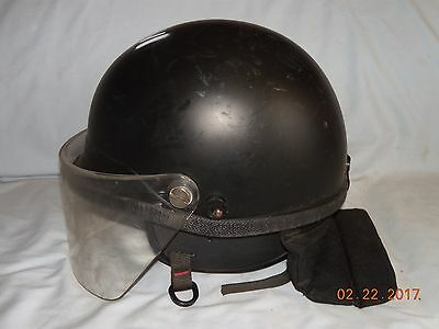 CROWN MODEL C-3 POLICE SECURITY RIOT PROTECTIVE HELMET BLACK, SZ: Medium