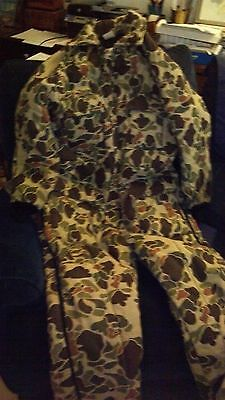 Mens XL regular 46-48 Walls Blizzard Pruf camoflauge Insulated coveralls
