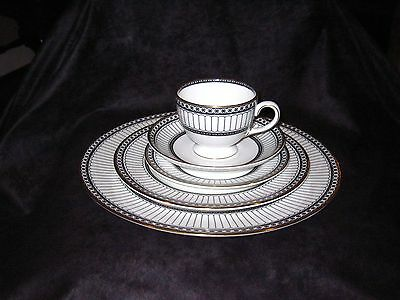 Wedgwood Colonnade Black 5 piece placesetting