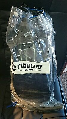 tigullio dive snorkells x 2 and fins size 7-8 + dive mask made in ITALY