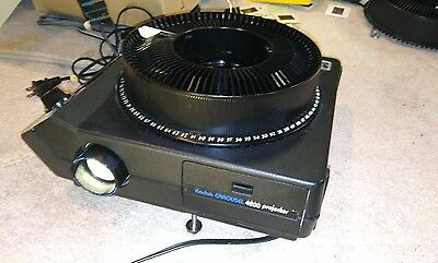 Vintage Kodak 4200 Carousel Slide Projector Working with 1 carousel!!! Perfect