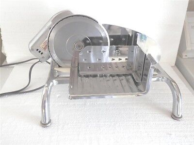 Rival Model 1101E/3 Electric Meat Slicer Stainless Blade Looks Works Great
