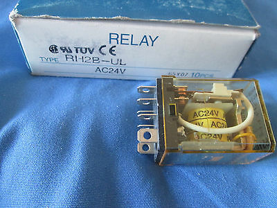 IDEC RH2B-UL 24 Volt AC Coil 2 Pole Relay With Indicator Light New Box Of 10