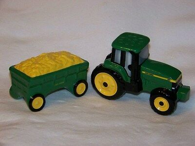 John Deere Salt and Pepper set with tractor and wagon