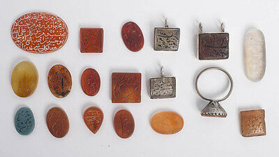 Lot of 18 Persian, Qajar Islamic Agate Stamp seals ring stones. Size 15-30 mm.