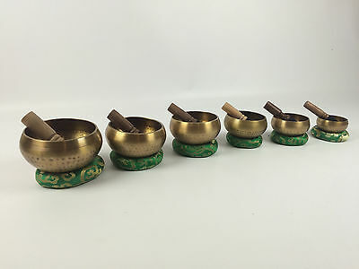 Hammered Nepalese Singing Bowls - Size and note variation - Colour code cushionॐ