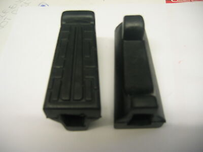 YAMAHA YBR 125 YBR125 Front Footrest Rubbers Rubber  peg  NEW Original pattern