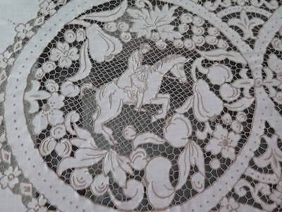Fab Vtg Figural Linen MADEIRA Hand Embroidered Needle lace Hunt Tablecloth Napki