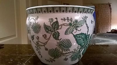 Chinese Porcelain Pottery Bowl / Green and White / Nature /  20th Century