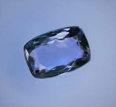 1,55 ct Superbe Tanzanite AAA