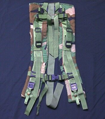 US Military MOLLE II SHOULDER STRAPS NO QUICK RELEASE STRAP BUCKLE Woodland VGC