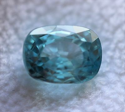 3,45 ct  Zircon Bleu du Cambodge