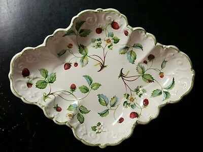 "James Kent Old Foley ""strawberry"" Scalloped Serving Dish/bowl - Excellent"