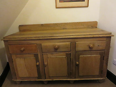 ANTIQUE PINE SIDEBOARD CUPBOARD DATING FROM EARLY 1800s - 3 DRAWERS / 3 DOORS