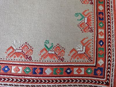 Beautiful Vintage Hand-Embroidered Linen Tablecloth Cotton / Silk Embroidery