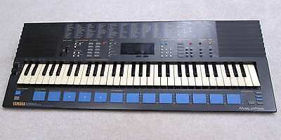 Yamaha PSS680 mini keyboard/programmable 2-operator synth, very good condition