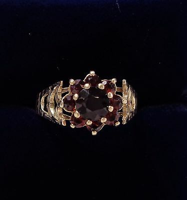 Vintage c.1976 Garnet Cluster Ring in 9ct Yellow Gold - Size O 1/2