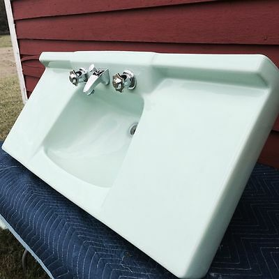 Vintage Retro Ming Green Sink & Toilet