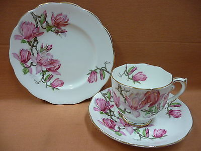 Vintage Roslyn Trio 'Magnolia' Beautiful cup, saucer & plate