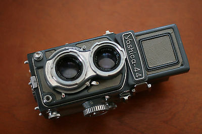 Yashica 44 Twin Lens Reflex Camera, Cosmetically challenged. Cool Camera, Read!!