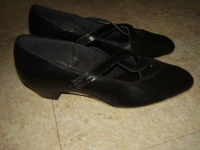 TIC TAC TOES Wom Sz 8 M Black Leather Dance Shoe Suede Sole Slip Ons With Straps