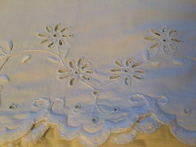 """Antique Sheet Linen Top Embroidered Eyelet Wreath Aprx 82"""" X 84"""""""