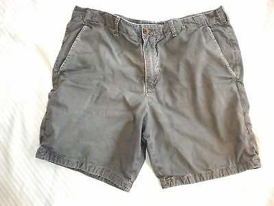 EUC Mens Abercrombie & Fitch Gray Shorts 36 Distressed