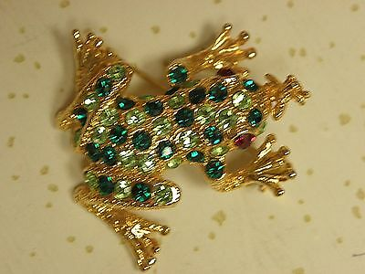 Green Rhinestone FROG with red eyes catching fly PIN