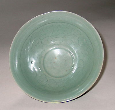A Very Rare and Fine Korean Incised Celadon Deep Bowl-12th C.