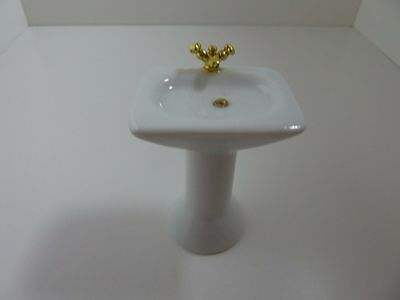 Dolls House Miniature 1:12th Scale Bathroom Furniture White Porcelain Sink 0523S