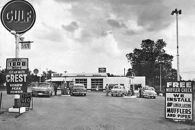 Vintage Gulf Gas Station Gulflex Service Attendant Pumps Sign 50s Car Photo L16